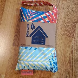 Norwex Beach Towel with Carrying Pouch
